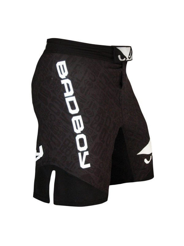 цена на Шорты Bad boy Шорты ММА Legacy II Short - Black Repeat